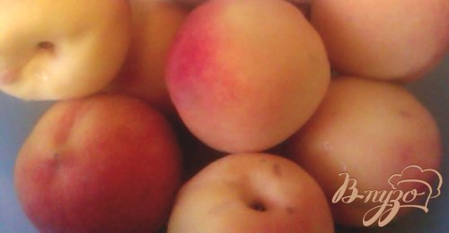 Конвервированные персики в легком сиропе