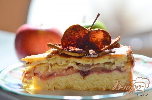 Яблочный миндальный швейцарский кекс