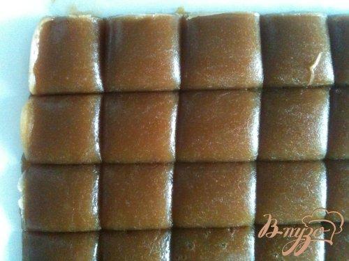 Конфеты из мягкой карамели в шоколаде