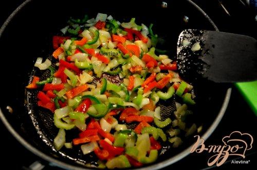 Свиные отбивные с овощным соусом