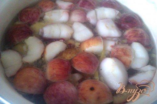 Компот яблочно-грушевый со сливами