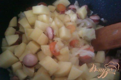 Овощи тушеные с сосисками
