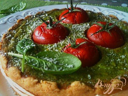 Пирог с начинкой из шпината с тунцом