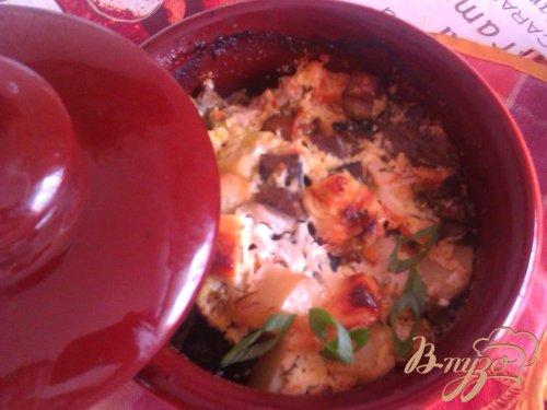 Жаркое с курицей и грибами в горшочках