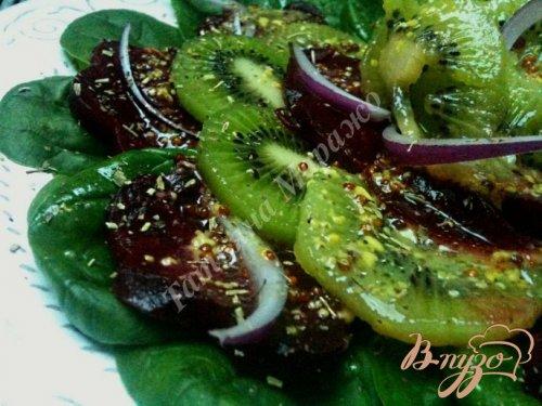 Салат со свеклой и киви