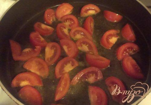 Яичница с плавленым сыром и томатами