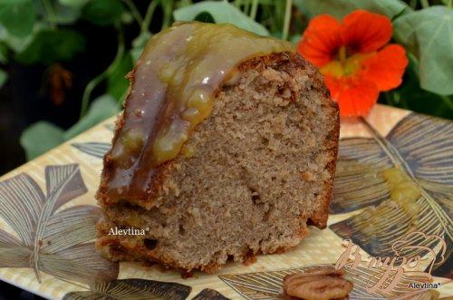 Фунтовый пряный кекс с апельсиново-ромовым соусом