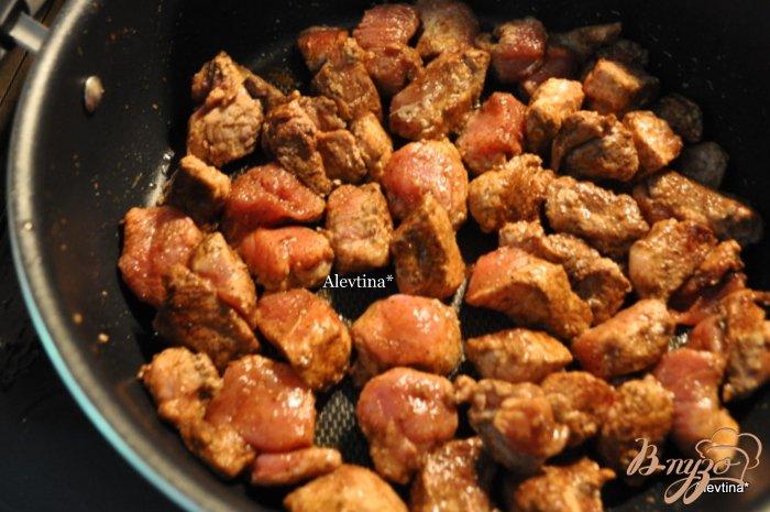 Фото приготовление рецепта: Свиной паприкаш шаг №3