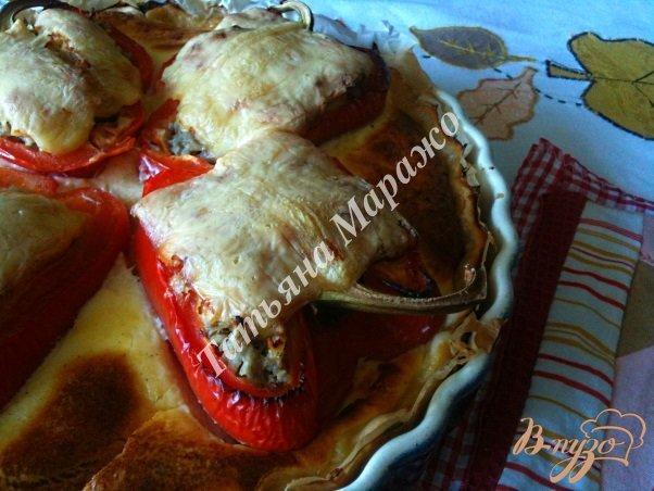 Фото приготовление рецепта: Открытый пирог с фаршированными перцами шаг №8
