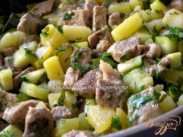 Рецепт Свинина с картофелем, цуккини и эстрагоном