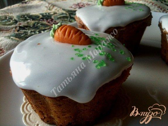 Фото приготовление рецепта: Кексы морковно-имбирные с медом шаг №12