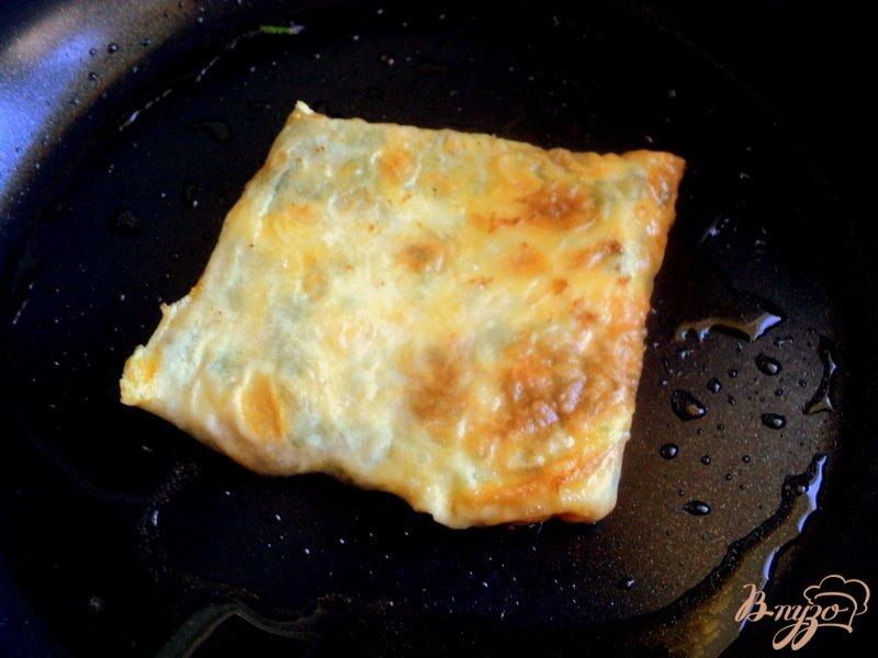 Фото приготовление рецепта: Ека – конвертики из лаваша с начинкой шаг №4