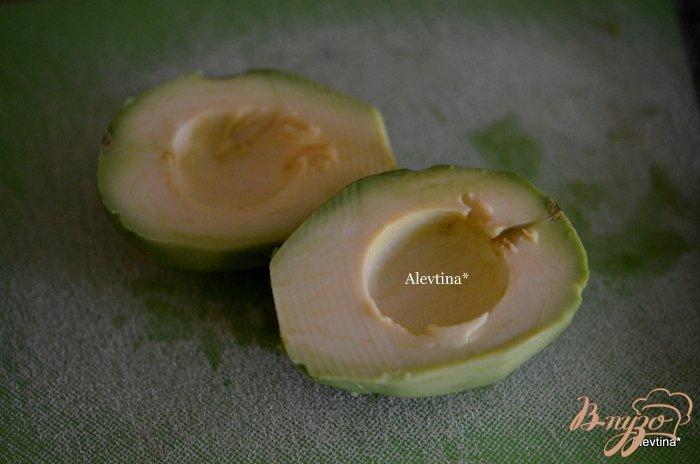 Фото приготовление рецепта: Бутерброд с авокадо шаг №1