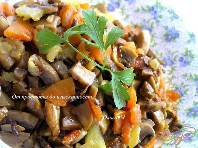 Фото приготовление рецепта: Грибная икра со сладким перцем шаг №4