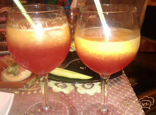 фото рецепта: Персиковый коктейль с малиновым ликером
