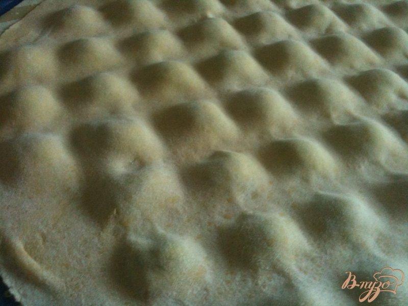 Фото приготовление рецепта: Равиоли с рикоттой и шпинатом шаг №6