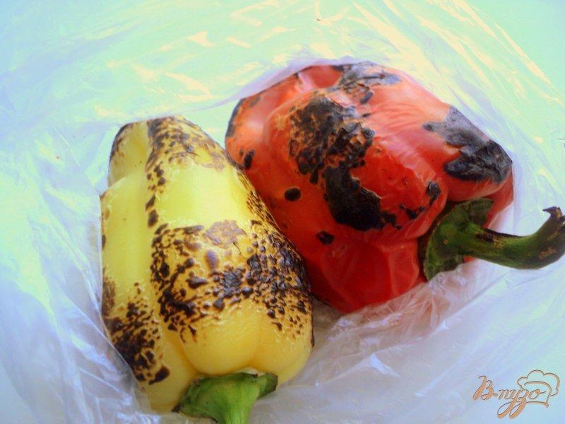 Фото приготовление рецепта: Грушевый салат со сладким перцем шаг №2