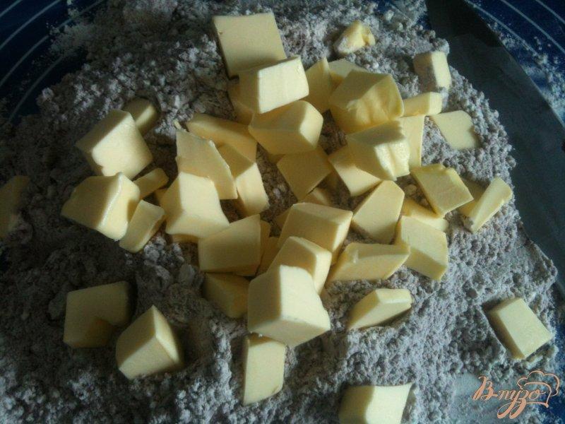 Фото приготовление рецепта: Рубленое шоколадное тесто шаг №2