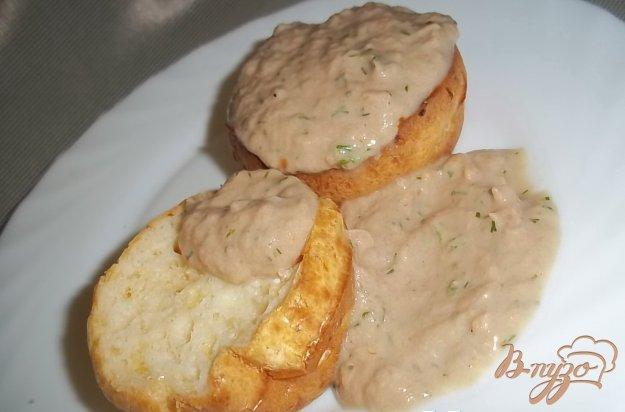 Рецепт Сырные кексы с соусом из тунца
