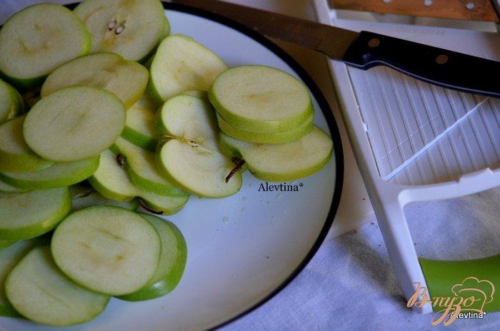 Фото приготовление рецепта: Яблочные карамелизированные чипсы шаг №1