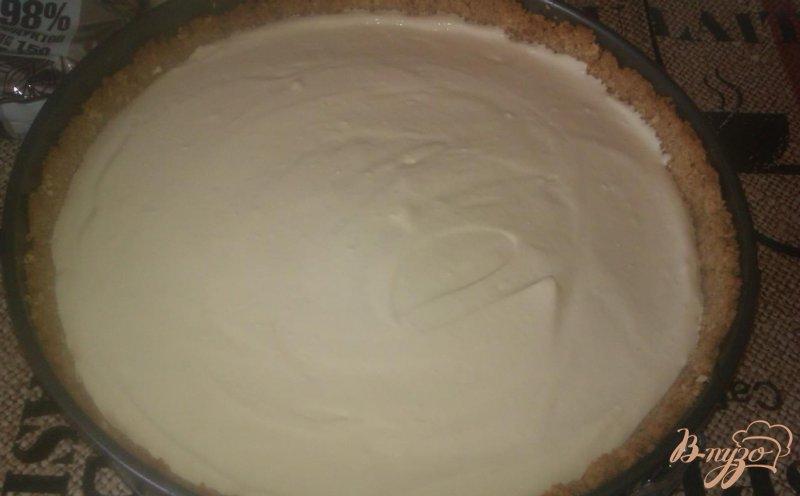 Фото приготовление рецепта: Ореховый чизкейк с шоколадным ганашем шаг №4