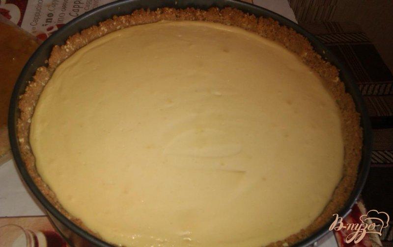 Фото приготовление рецепта: Ореховый чизкейк с шоколадным ганашем шаг №5