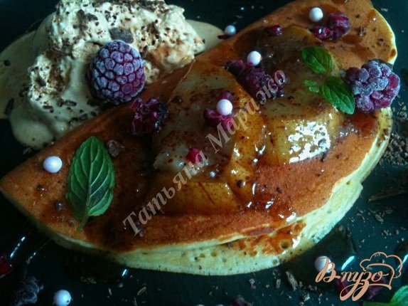 Рецепт Блины с карамелизированными грушами