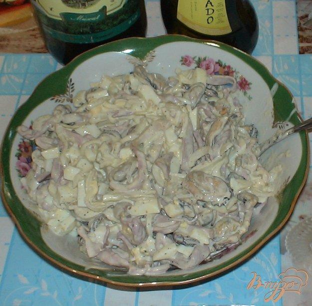 Рецепт Салат с мидиями и кальмарами