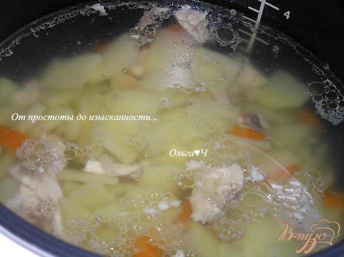 Фото приготовление рецепта: Суп с курицей в мультиварке шаг №6