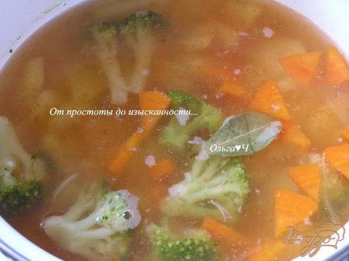 Фото приготовление рецепта: Овощной суп с брокколи шаг №4