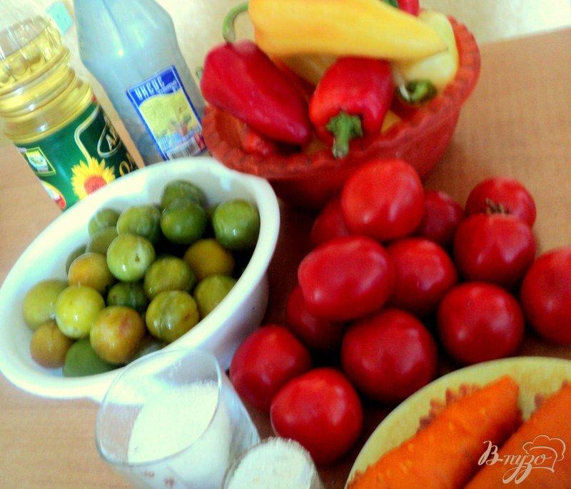 Фото приготовление рецепта: Лечо в сливово-таматной заливке шаг №1
