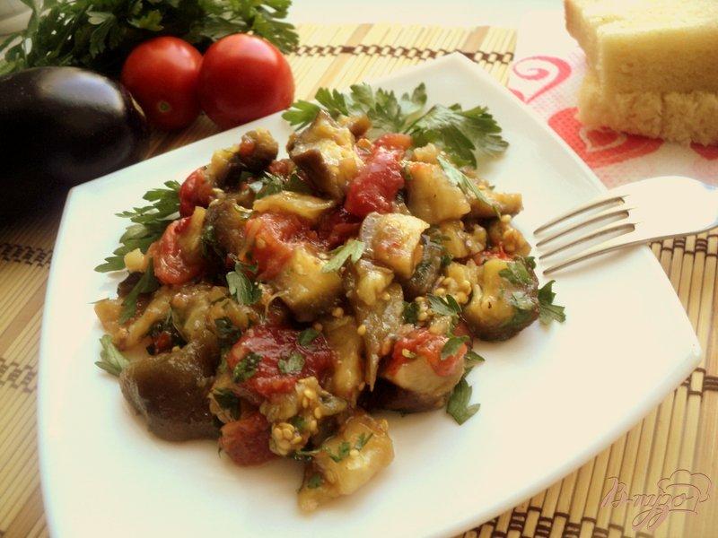 Фото приготовление рецепта: Салат из запеченных баклажанов шаг №4