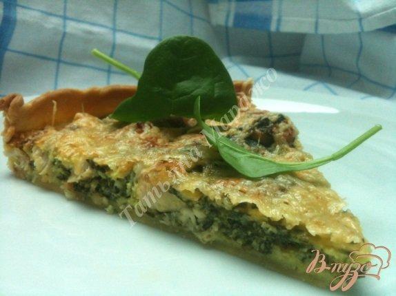фото рецепта: Пирог со шпинатом и куриным мясом
