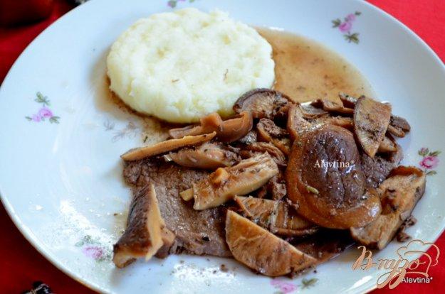 Рецепт Стейк в соусе из грибов шиитаке