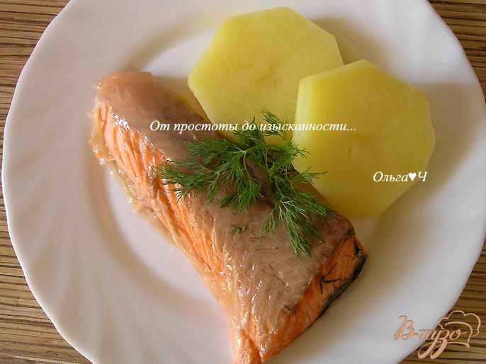 Фото приготовление рецепта: Ужин на парУ в мультиварке: Лосось в укропе с картошечкой шаг №4