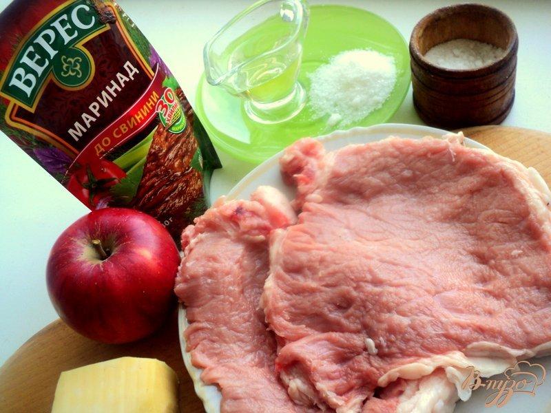 Фото приготовление рецепта: Отбивные с яблоками шаг №1
