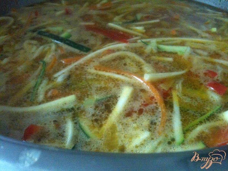 Фото приготовление рецепта: Овощной суп с картофельными галушками шаг №5
