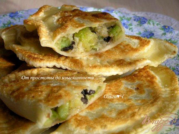 Рецепт Чебуреки с грибами, кабачками и пшеничными хлопьями