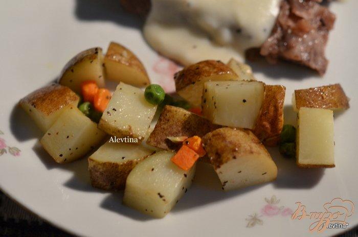 Фото приготовление рецепта: Картофельный гарнир в фольге шаг №4