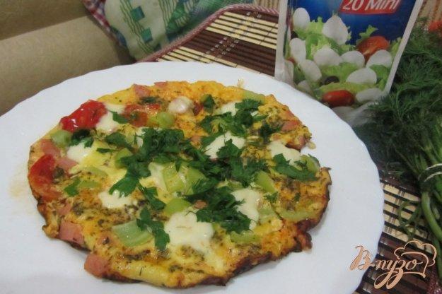 Рецепт яичница с моцареллой и зеленью