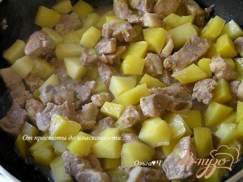 Свинина с картофелем, цуккини и эстрагоном