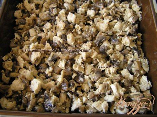 Фриттата с курицей, грибами и зеленым горошком