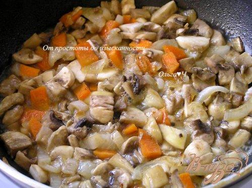 Перец, фаршированный рисом и грибами на пару