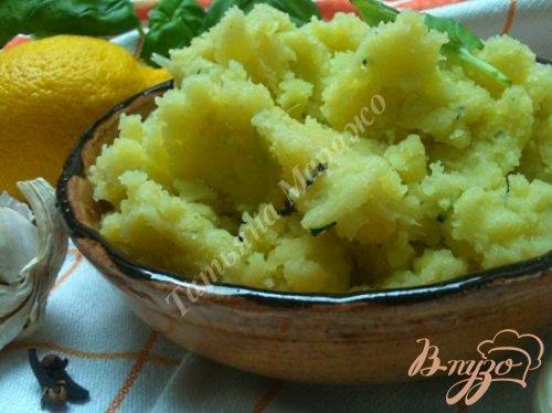 Давленый картофель с базиликом и лимоном