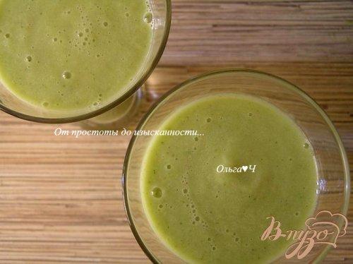 Освежающий зеленый коктейль