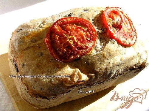 Оливковый хлеб с маслинами и каперсами