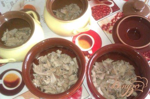 Овощной суп со свининой в горшочках
