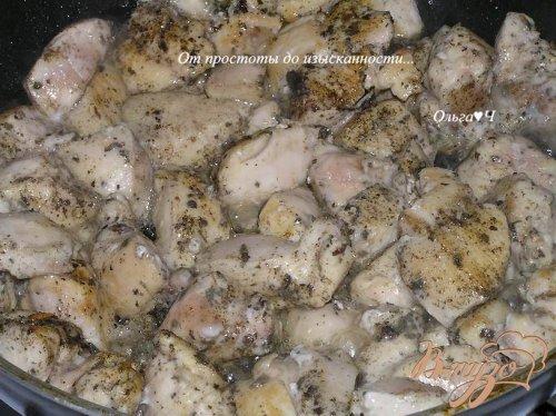 Куриные грудки с шалфеем в белом вине