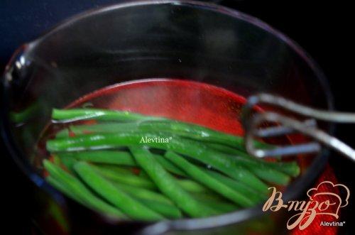 Салат с картофелем, с зеленой фасолью и беконом