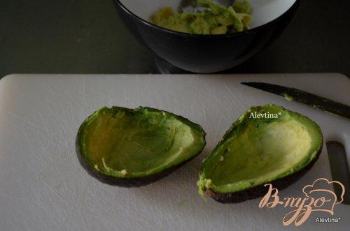 Авокадо с беконом